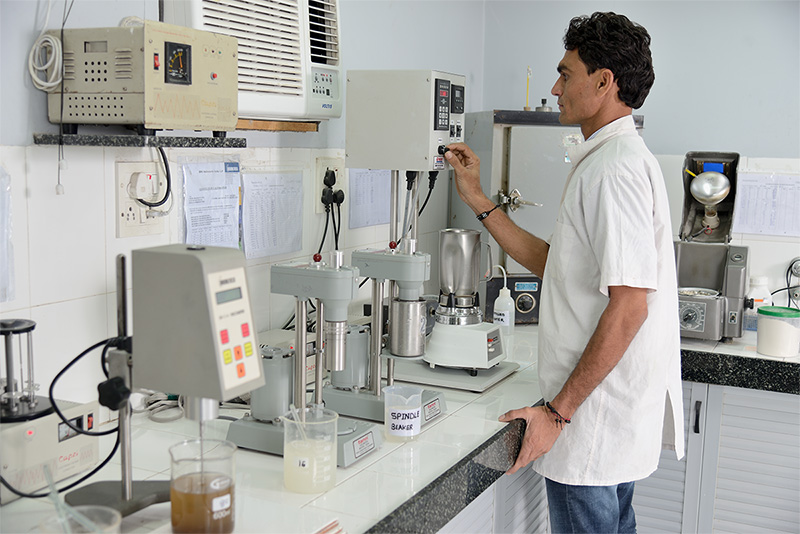Guar solution, for Fann Viscosity testing, being prepared using a Grace Variable Speed mixer